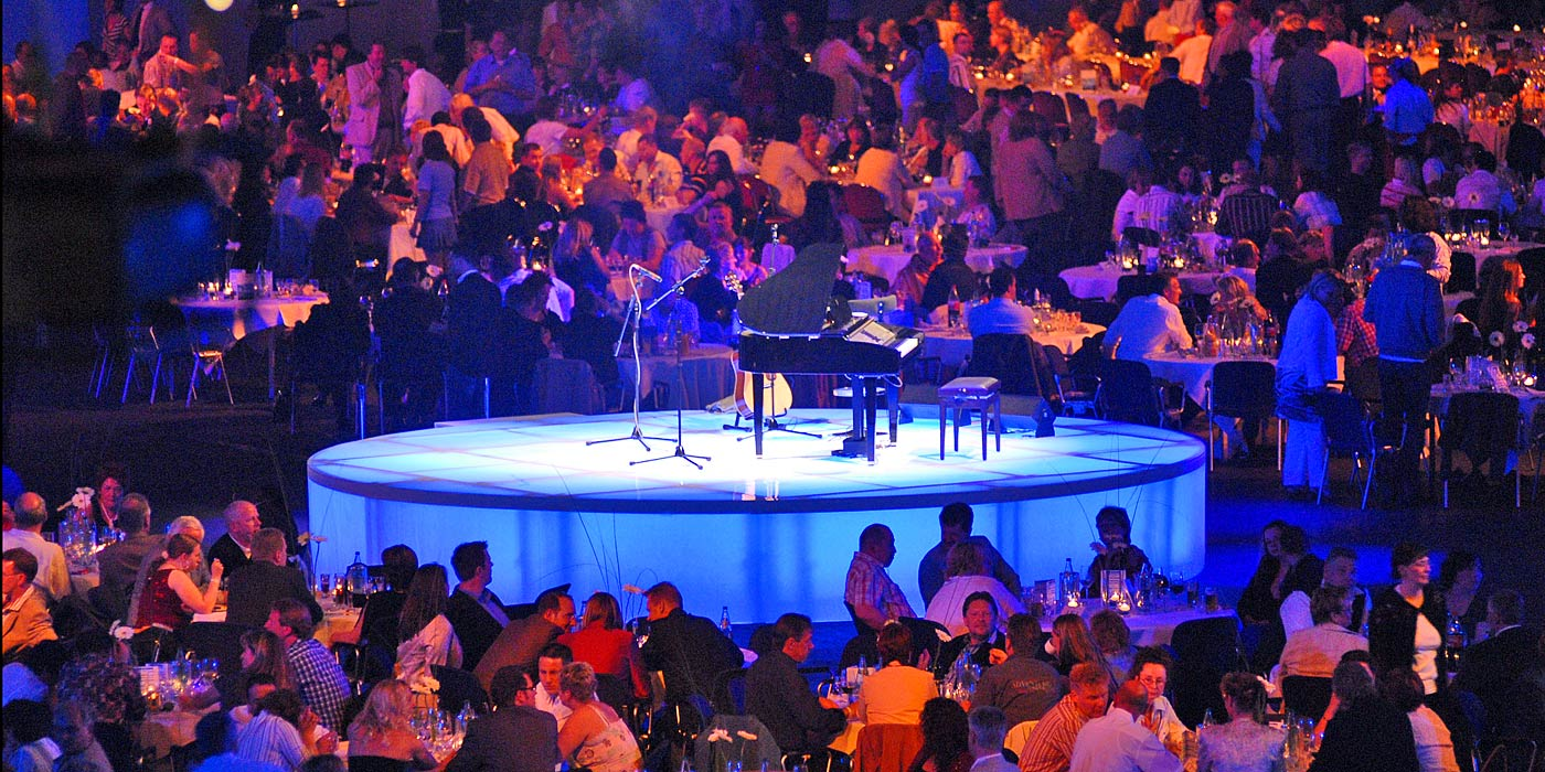 ZELFMADE live events | event agency | news | background: employee event